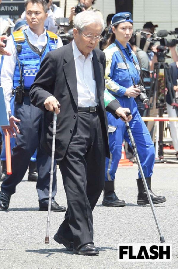 上級国民-飯塚